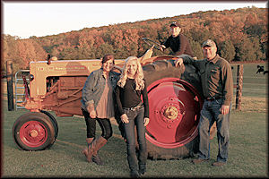 Phillip Herd and family in Belvidere, TN